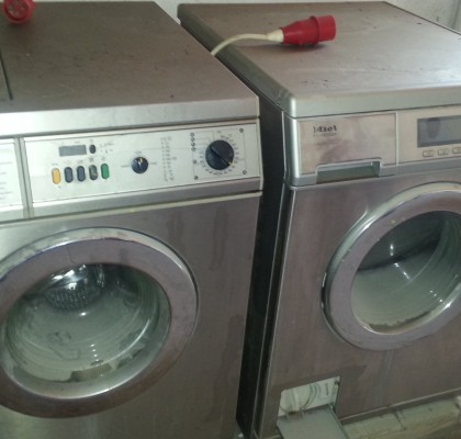 LABORATORY WASHING & DRYING MACHINE / MIELE